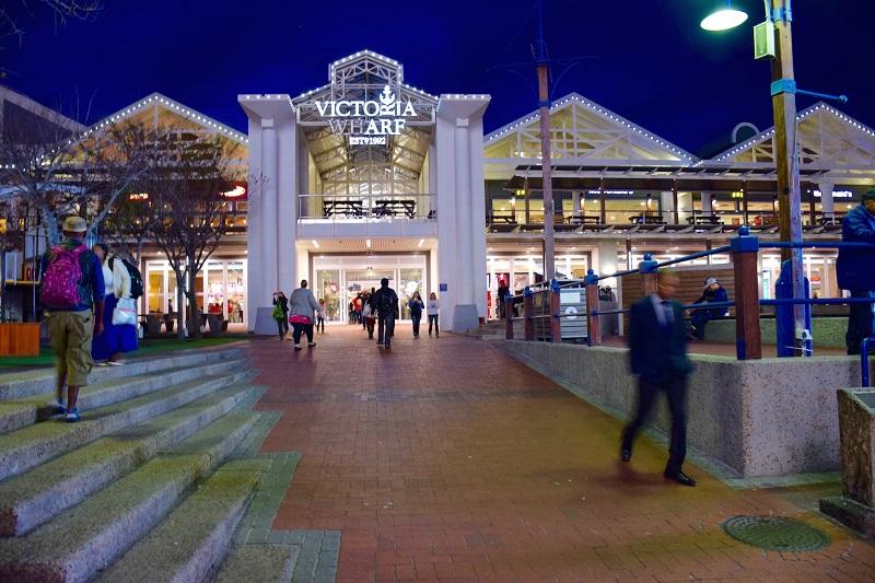 Compras em Victoria Wharf Mall na Cidade do Cabo